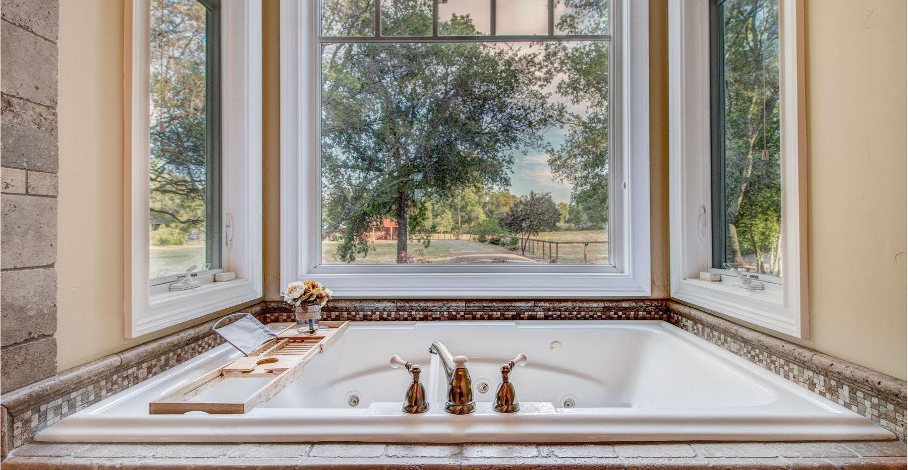 45 Master Bathroom1.jpg