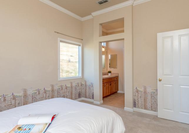 131 Gage ct-Bedroom 2 01.jpg