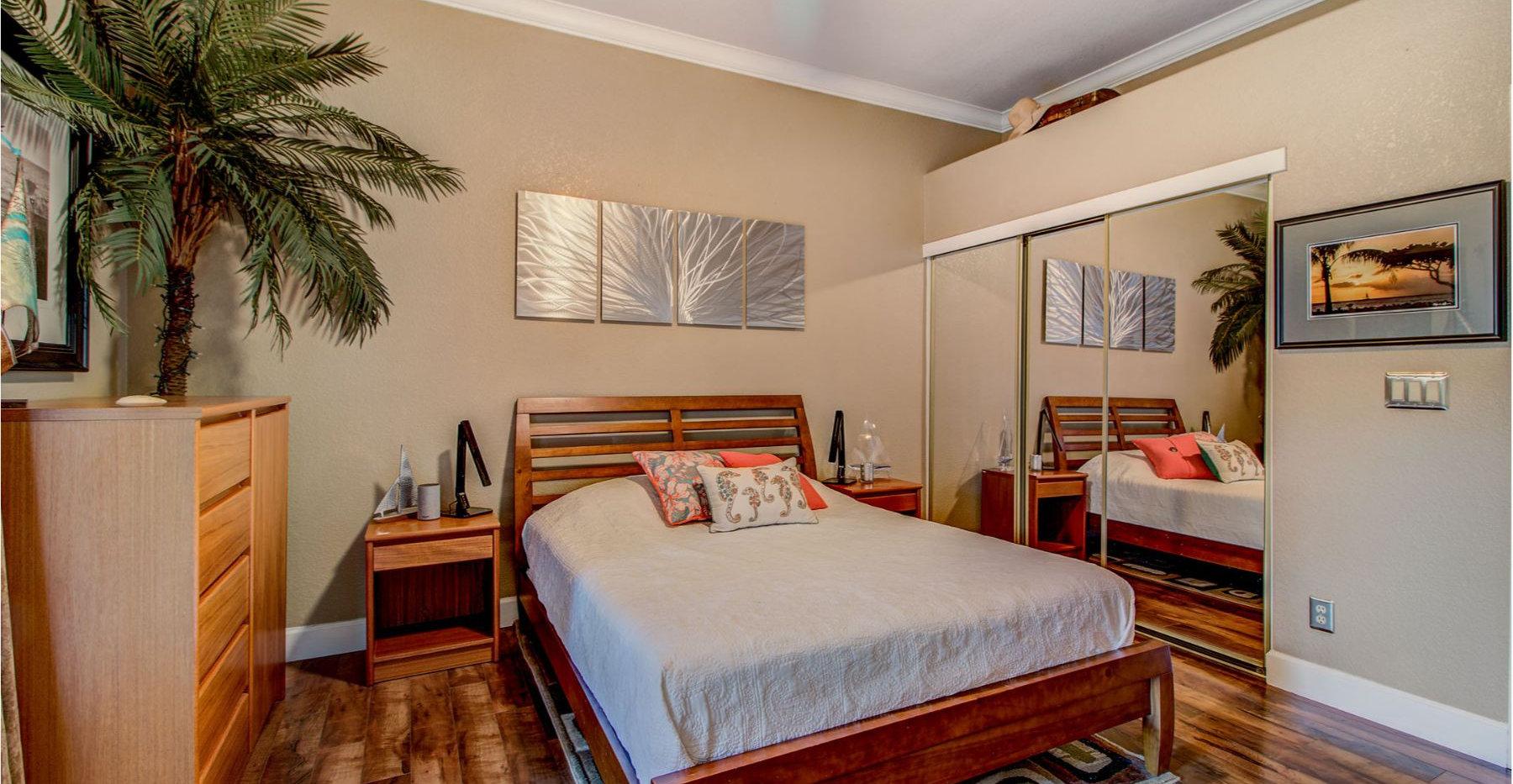 22 Master Bedroom.jpg