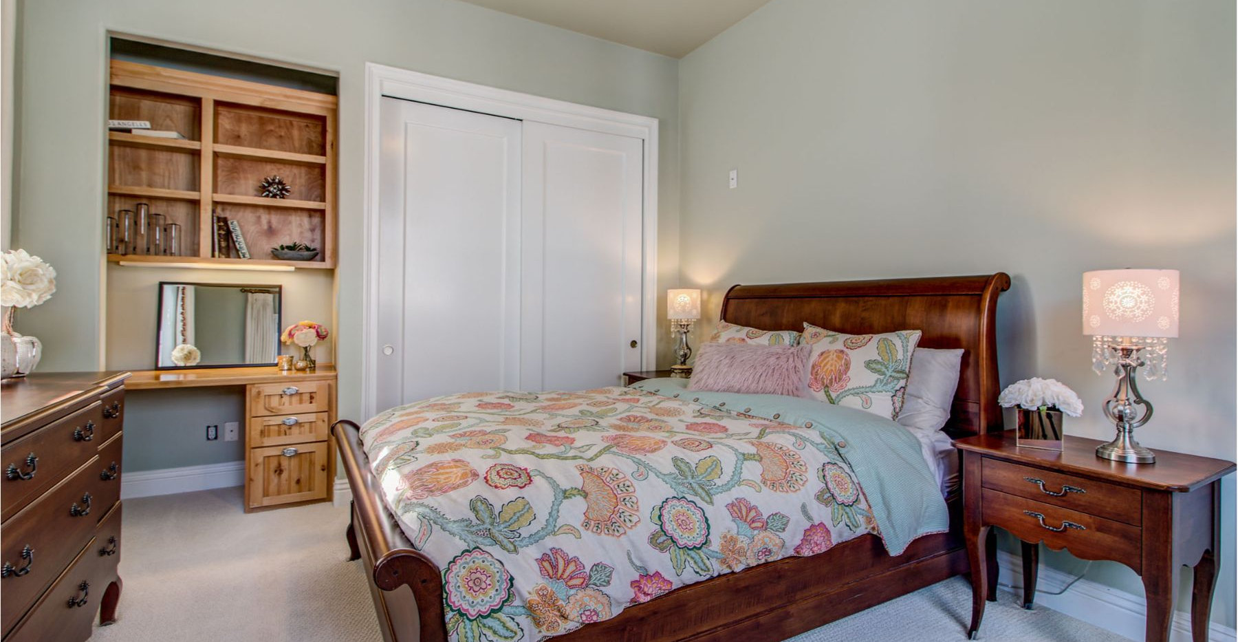 27 Bedroom.jpg