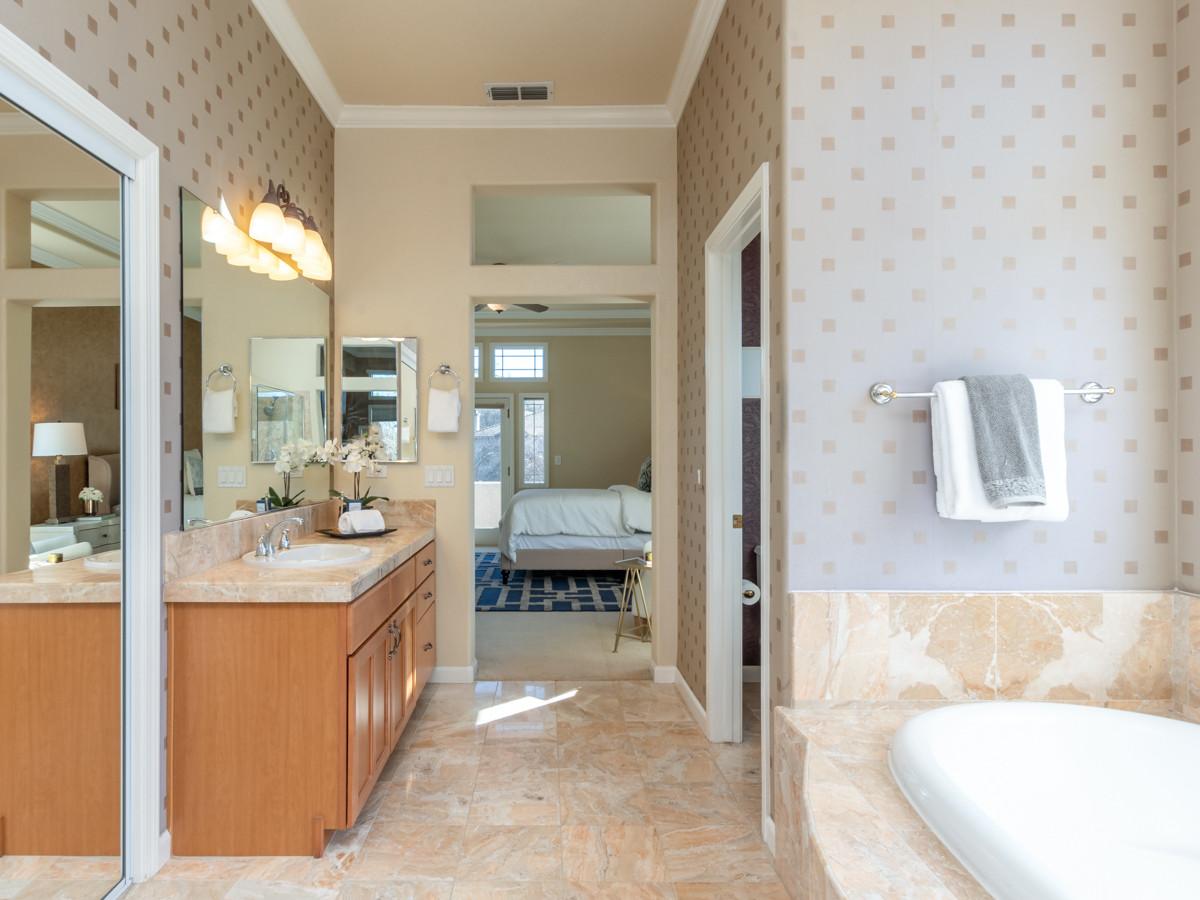 131 Gage ct-Master Bath 01.jpg