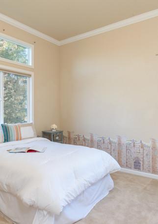 131 Gage ct-Bedroom 2 02.jpg