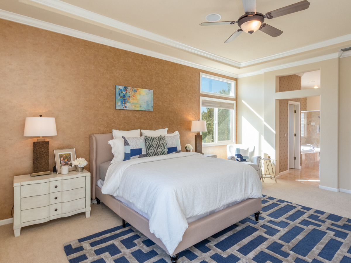 131 Gage ct-Master Bedroom 04.jpg