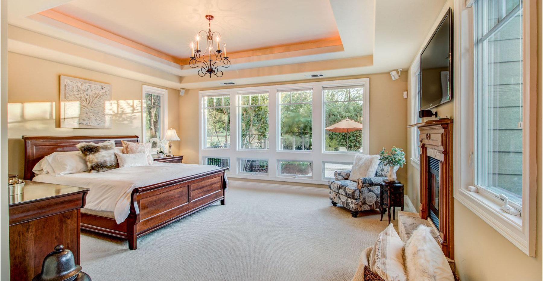 39 Master Bedroom.jpg