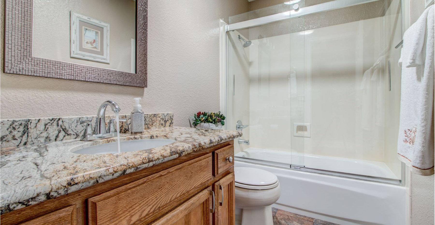 20 Bathroom.jpg