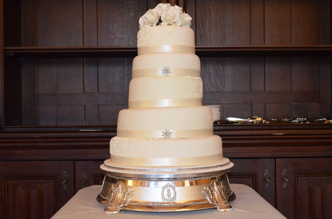 Ivory and Roses 5 tier wedding cake