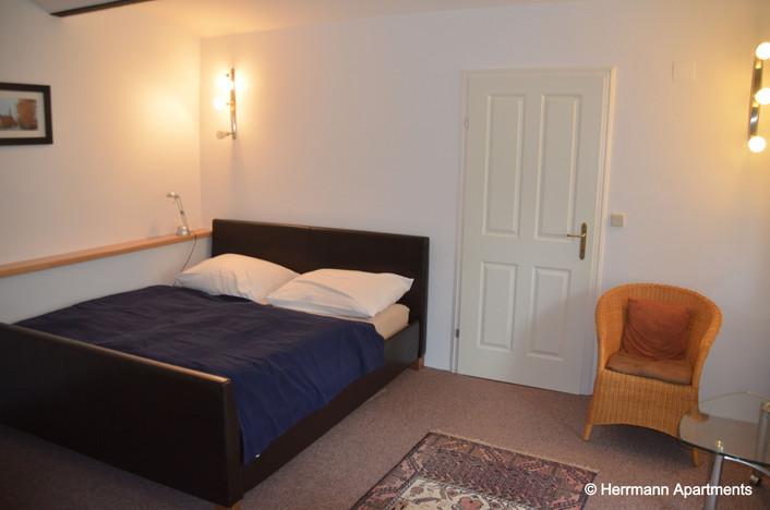 Apartment Hermine_Herrmann Apartments_Schlafzimmer1_edited.jpg