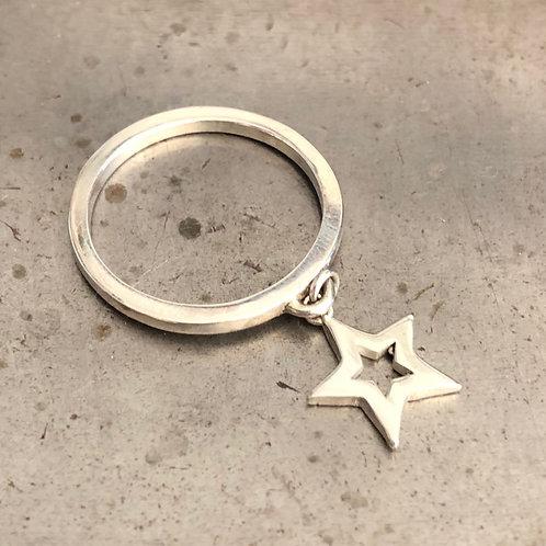טבעת רינגו סטאר