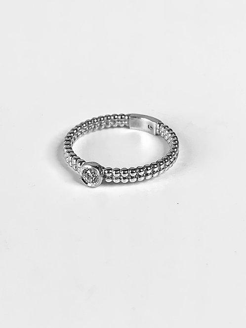 טבעת לינה מזהב עם שיבוץ יהלום לבן