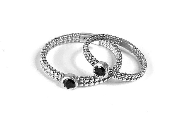 טבעת לינה מזהב עם שיבוץ יהלום שחור