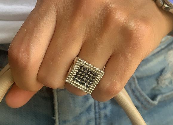 טבעת לולה משובצת מכסף
