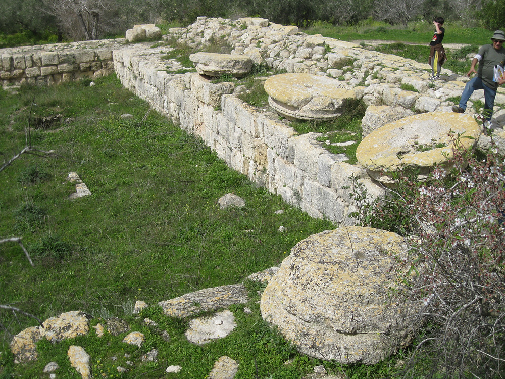 The massive columns of the Augusteum fell over in the earthquake of 363