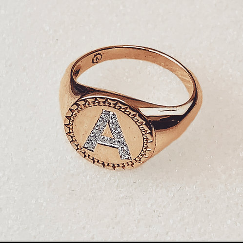 טבעת מרייה זהב עם אות