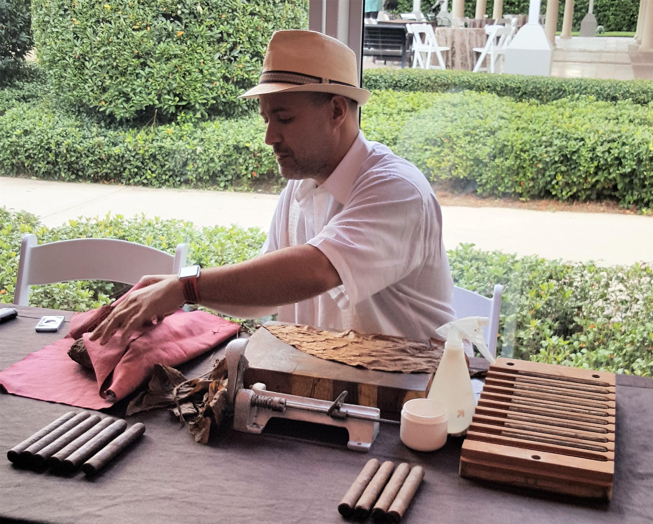 EK Cigar Roller