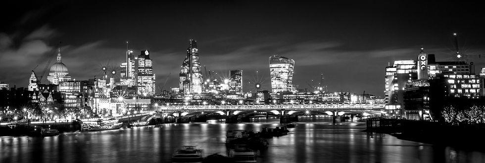 london-1405911_edited_edited.jpg