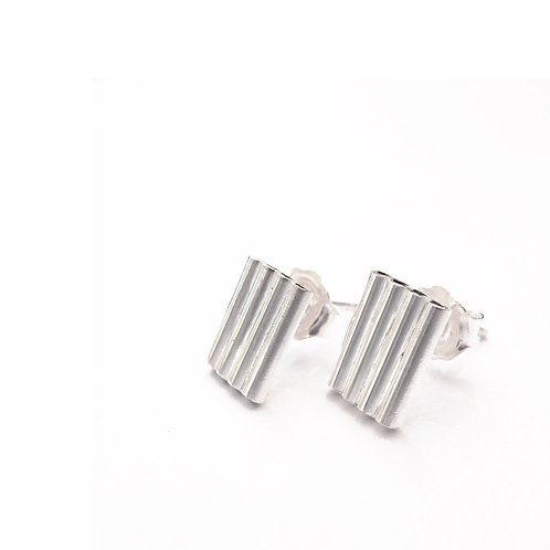 Not Too Square Minded || Small earrings