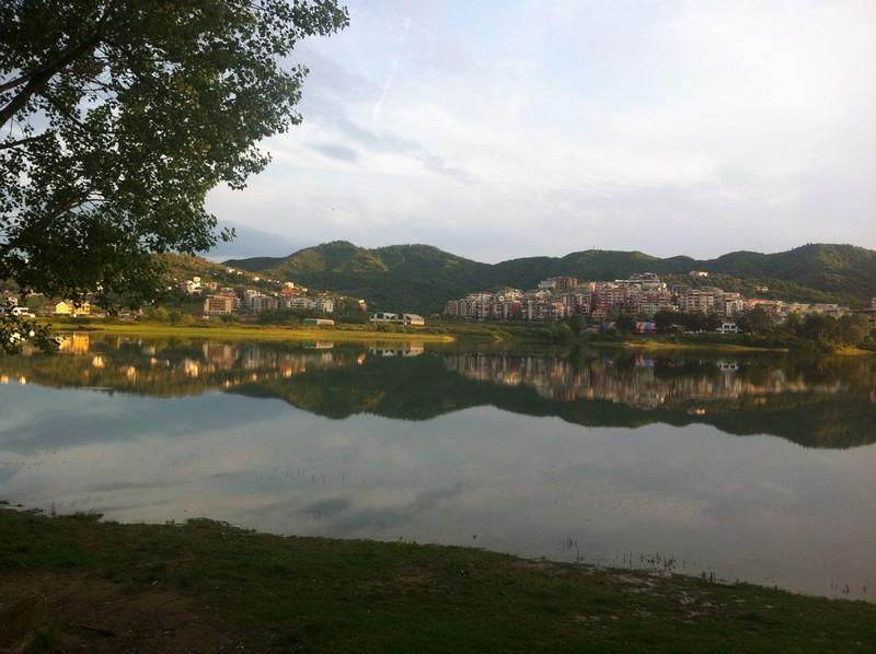 Tirana, lake