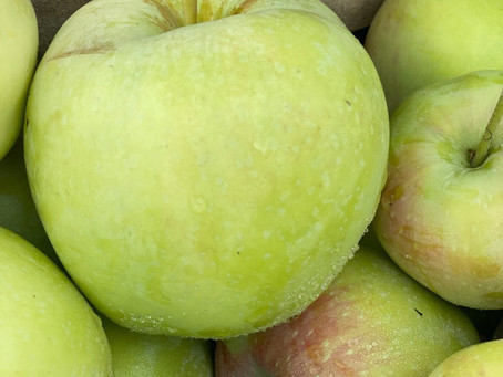 An apple a day keeps the Doctor away!  But how???