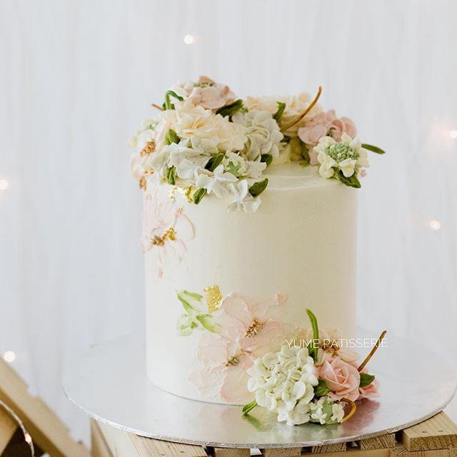 Buttercream Realistic Flowercake