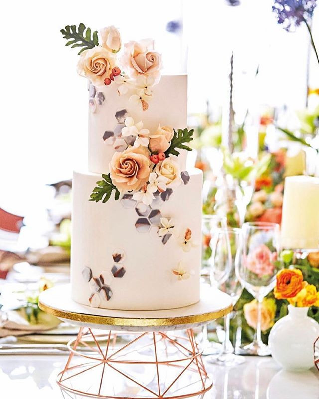 Her World Bride's Featured wedding cake by Chef Amber