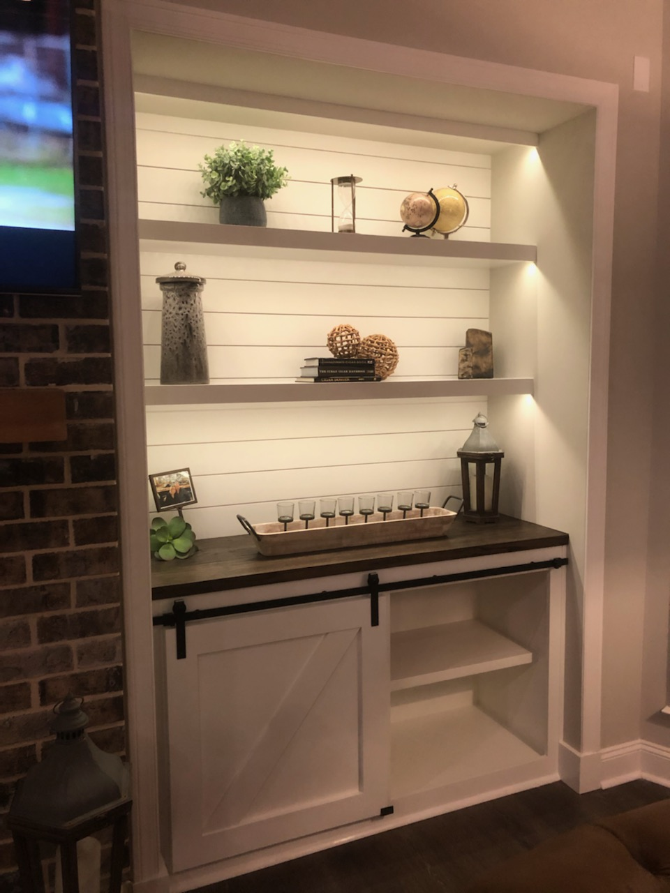 Built ins with LED shelf lighting
