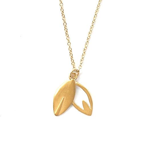 14l gold vermeil Lotus Petite Petal Stem Necklace