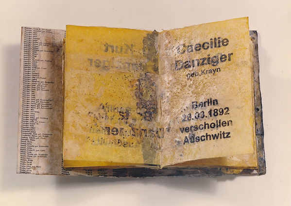 leila danziger, escritas insignificantes, asemic writing, graphs