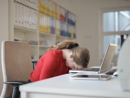 Somnolence au travail : 8 conseils pour ne plus piquer du nez
