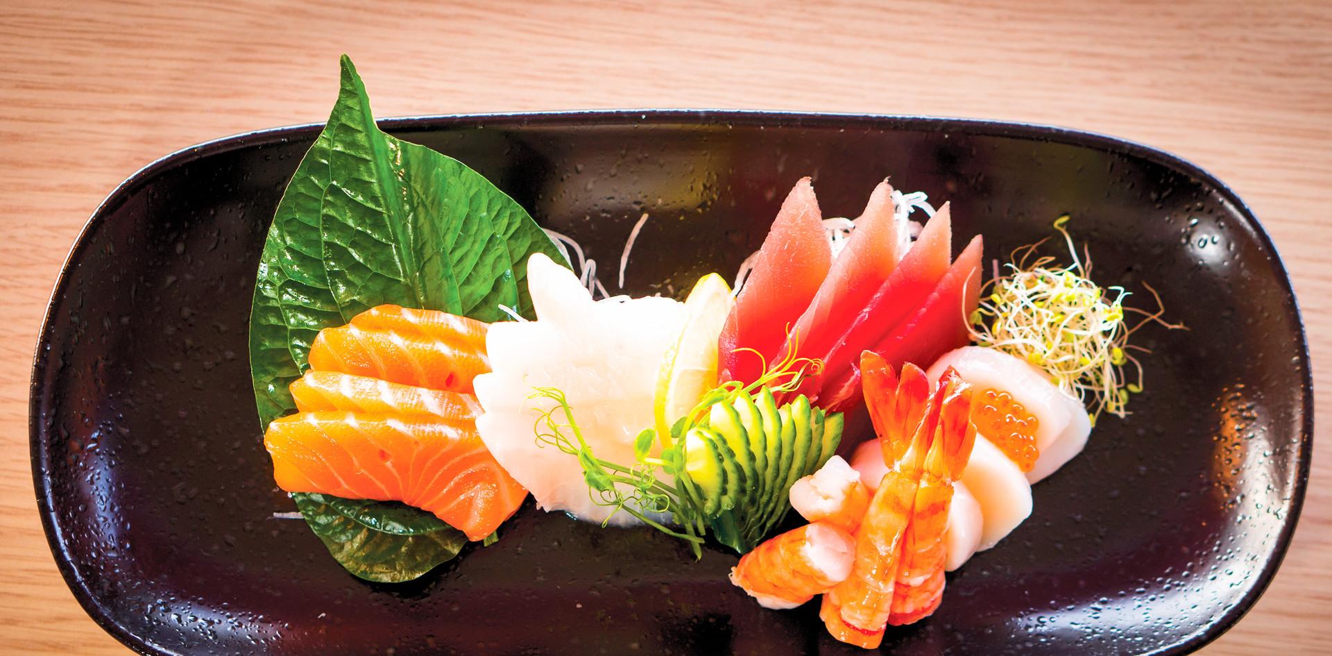25. Sashimi medium 15 biter.jpg