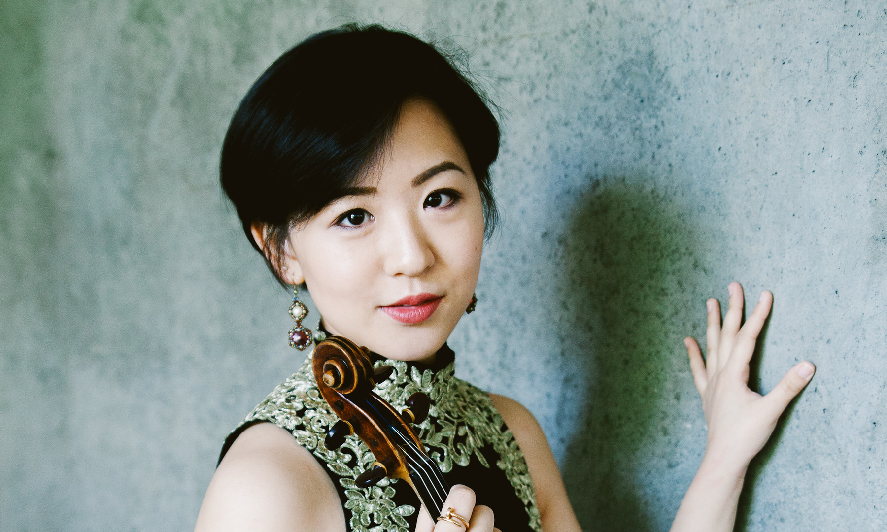 Anna Lee violinist photo by Katie Borrazzo taken 2018 at Harvard