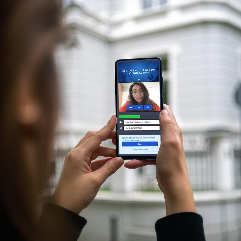 Phone screen in hands