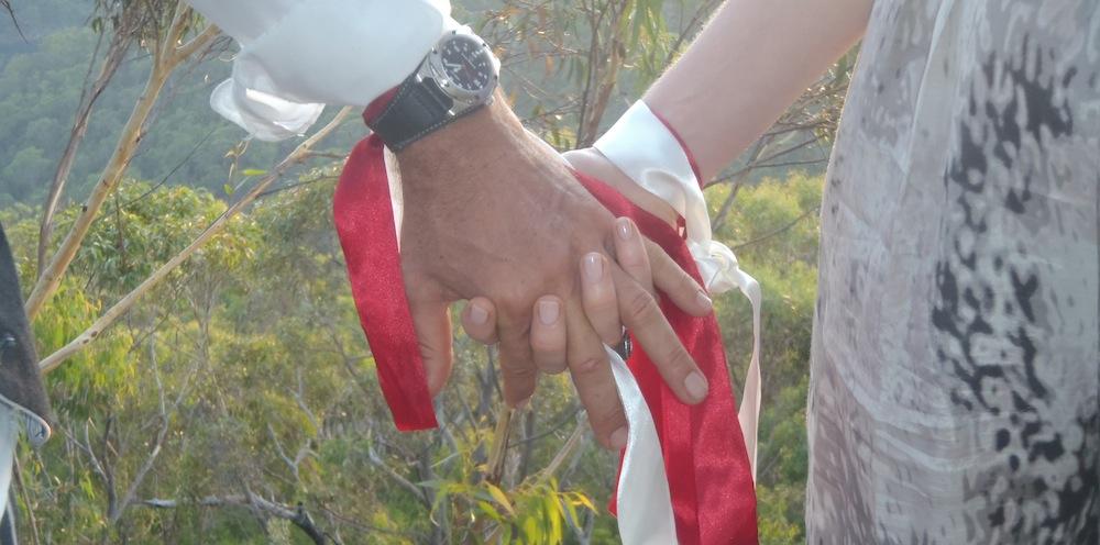Handbinding Bohemian Wedding