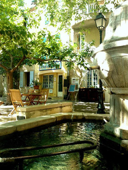 La table de la Fontaine à Rians