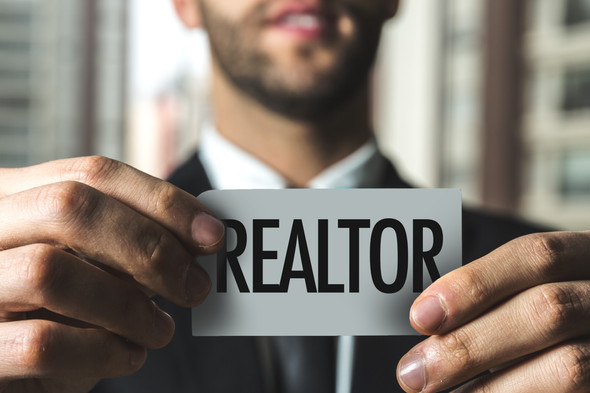 5 REASONS TO WORK WITH A REALTOR