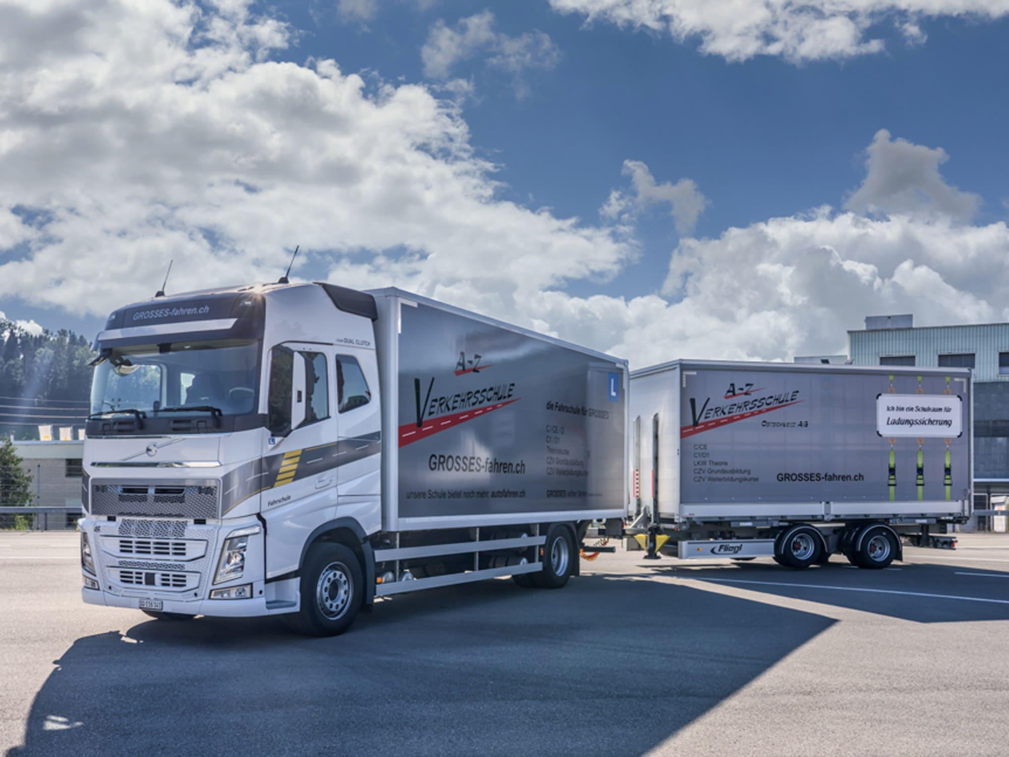 Lastwagen mit Anhänger