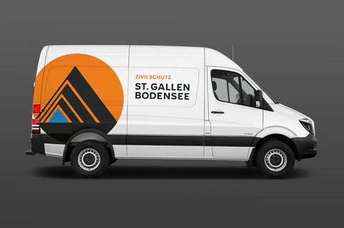 Logo und Fahrzeugbeschriftung