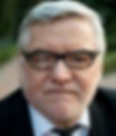 Andy Gould Headshot.jpg