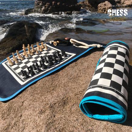 Échiquiers roulés et dépliés   Chess France    exterieur mer