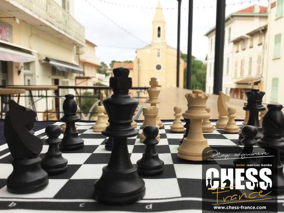 Jeu d'échecs de voyage | CHESS France | village