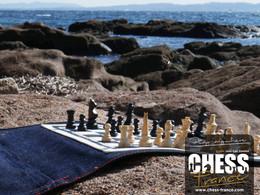 Jeu d'échecs design    CHESS France    plage et calanques