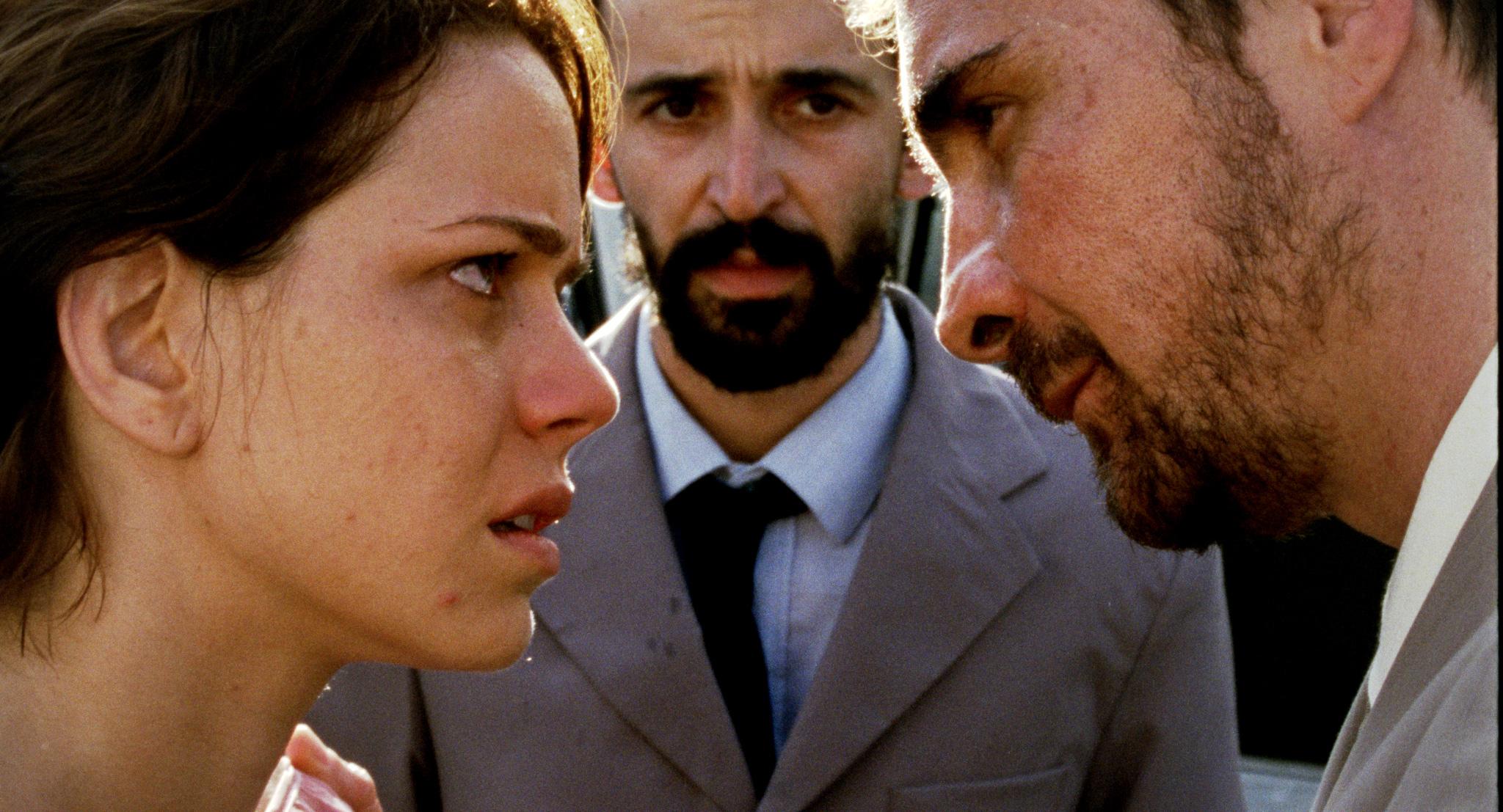 Pastor-Naldo-(João-Miguel),-Karine-(Leandra-Leal)-e-Irmão-Wagner-(Julio-Andrade)