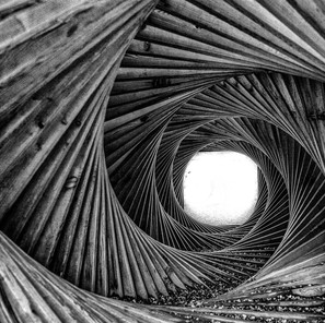 gregor-scheurer_bw-spirale.jpg