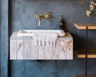 trendy-floating-basin-sink-vanity-brass-