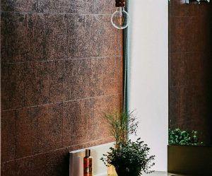 bold-warm-textured-bathroom-wall-coverin
