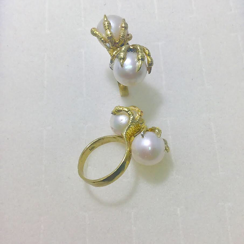 Double Claw Pearl Ring