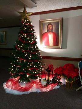 Christmas Lobby.jpg