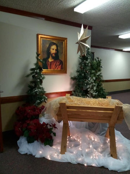 Christmas Lobby2.jpg