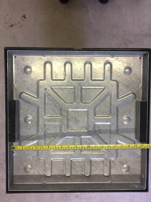 Recessed 450x450x40mm Lock & Sealed