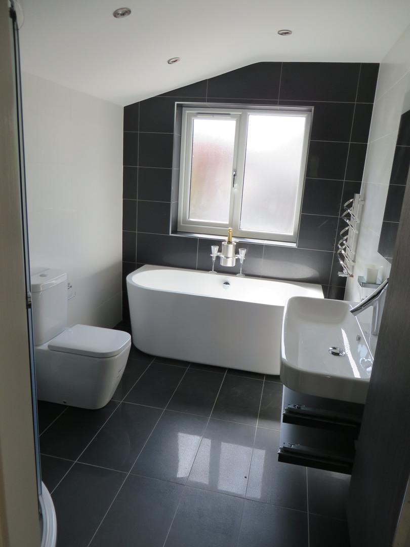 Master bedroom shower room.