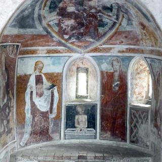 Pantocratore, Santa Petronilla, San giovanni Evangelista, Cristo dolente - absidiola destra